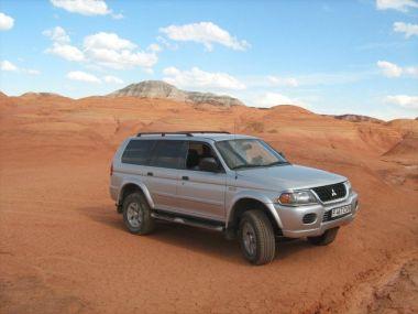 На Марс на Mitsubishi Montero Sport