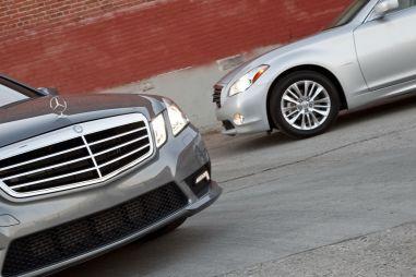 Сравнительный тест: InfinitiM35h против Mercedes-Benz E350Bluetec