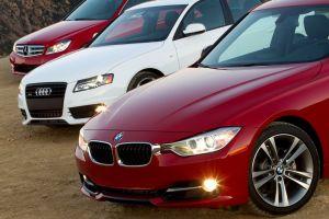 Сравнительный тест Audi A4 против BMW 328i и Mercedes-Benz C250. Фамильярность, презрение и неизбежность