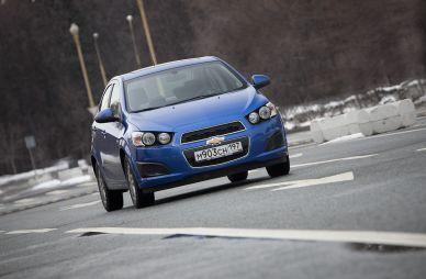 Обзор седана ChevroletAveo отDrom.ru. Хмуро-приветливый