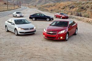 HyundaiSonata, VWPassat, ChevyMalibu против ToyotaCamry иHondaAccord