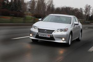 Тест-драйв гибридного седана LexusES300h отDrom.ru. Королькомфорта