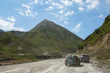 Путешествие вГрузию изЧелябинска наSsangYong Actyon, ЛадеПриоре и Toyota Land Cruiser100