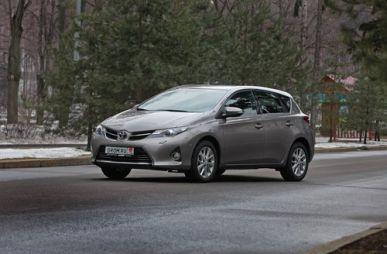 Тест-драйв нового поколения Toyota Auris. Не золотой, но ценный
