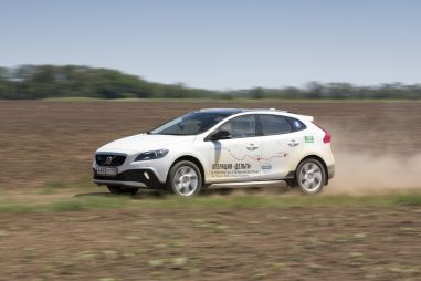 Тест-драйв Volvo V40 Cross Country. Спорт-турист