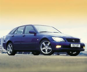 На чужом поле (Lexus IS 300, 2002 год)