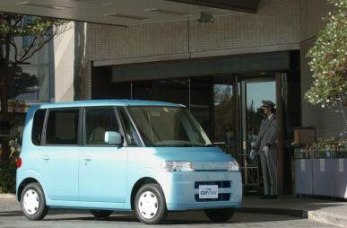 Обзор автомобиля Daihatsu Tanto, 2003