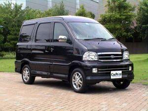 Обзор автомобиля Daihatsu Atrai7, 2000