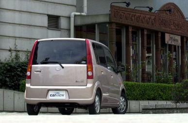 Обзор автомобиля Daihatsu Move, 2002