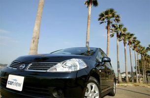 Обзор автомобиля Nissan Tiida Latio, 2004