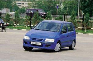 Звездные войны (Mitsubishi Space Star, Renault Megane Scenic, 1999 год)
