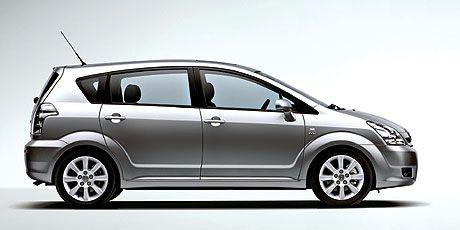 Универсальный подход (Toyota Corolla Verso, 2004 год)