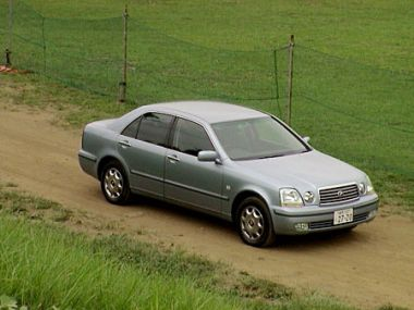 Обзор автомобиля Toyota Progres NC250 iR Version, 2001 год