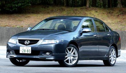 Соперничество спортивных седанов: Honda Accord, Mazda Atenza Sport и Subaru Legacy B4, 2002 год