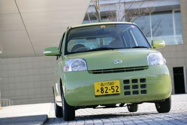 Машина без излишеств, обзор автомобиля Daihatsu Esse, 2005