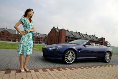 Обзор автомобиля Aston Martin DB9 Volante, 2006