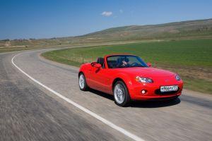 Маленькое открытие – кабриолет Mazda MX-5 (Mazda Roadster)