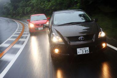 Toyota Blade Master G против Mazda Speed Axela (часть I)