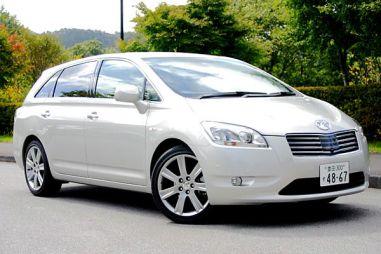 Toyota Mark X Zio — «туповатый» универсал для пенсионеров