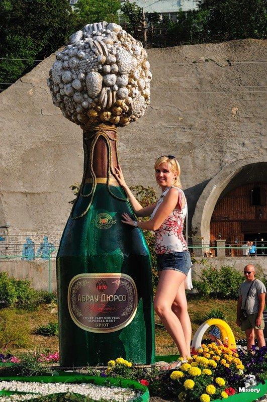 Самые большие бутылки с алкоголем фото