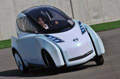 Nissan Land Glider. Двухместный мотоциклоподобный электрокар будет представлен на Токийском автосалоне