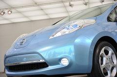 Серийный электрокар Nissan Leaf покажут широкой публике