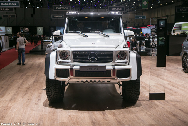 Mercedes-Benz G500 4x4