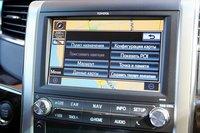 Touch screen с навигацией появился только после рестайлинга. До него была обычная магнитола с примитивной графикой. Сейчас же можно, в том числе, узнать о периодичности сервисных операций