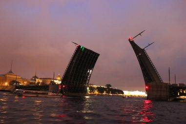 Автопутешествие Данилы Субариста, или из Омска в Санкт‑Петербург на «Алые паруса»