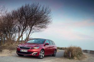 Тест-драйв нового Peugeot 308 и 308 SW. Golf Killer?