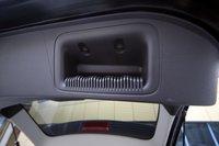 На крышке багажника — удобные рукоятки «под естественный хват»