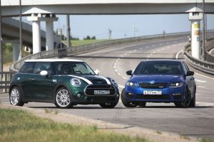 Дуэль-тест Mini Cooper S против Skoda Octavia RS. Большая линейка против маленького циркуля