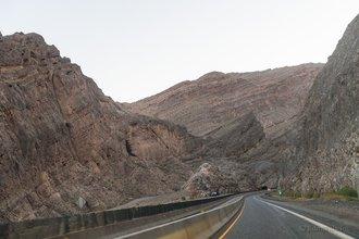 Ущелье Вирджин Ривер, Аризона: на данном этапе скоростное ограничение 88 км/ч, связанное с реконструкцией трассы и движением по одной полосе, нас полностью устраивает