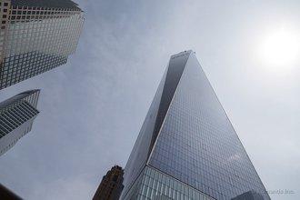 Нью-Йорк: новая башня Freedom Tower, возведенная на месте первой башни Всемирного Торгового Центра производит сильное впечатление