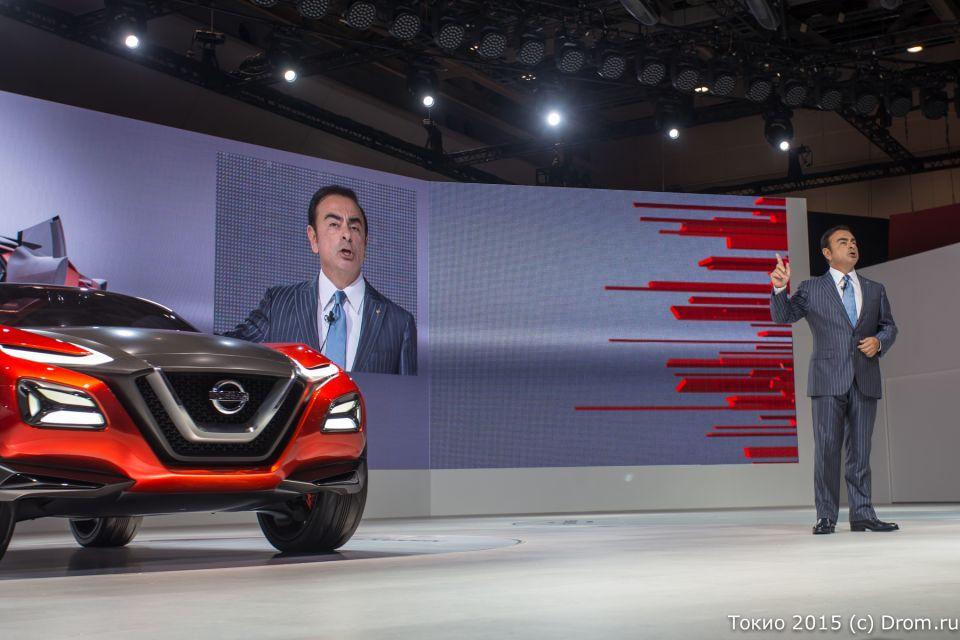 Слева Nissan Gripz Concept, справа Карлос Гон