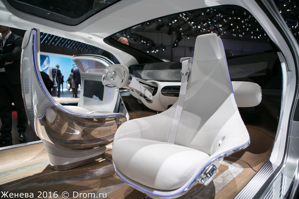 Интерьер Mercedes-Benz F 015