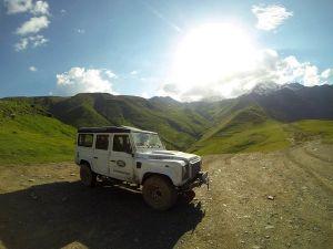 Путешествие в Грузию на Land Rover Defender