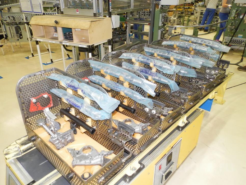 Культура производства впечатляет. Распредвалы упакованы в полиэтилен до самой установки в головку двигателя