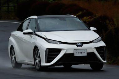 Тест-драйв водородомобиля Toyota Mirai. В чем отличия от HV и EV?