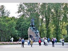 С.О. Макарову (Памятник)