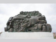 Исход и возвращение (Памятник)