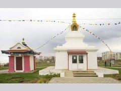 Ступа Просветления — «Монлам Тамчед Друпа» (Храм)