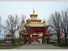 Золотая обитель Будды Шакьямуни (Храм)