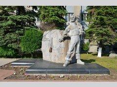 Памятник Юрию Эрвье (Скульптура)