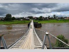 через реку Туру (Мост)
